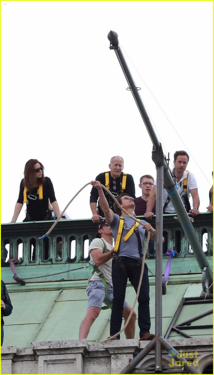 tom cruise filming stunts mission impossible 023180503