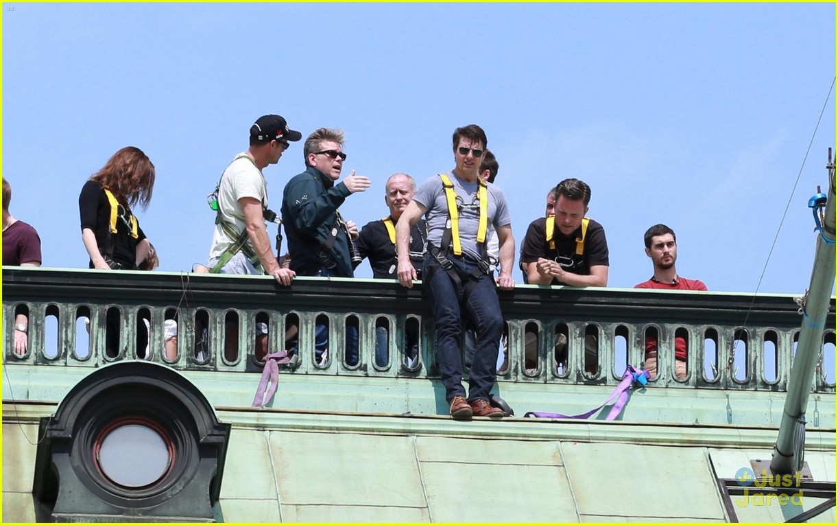 tom cruise filming stunts mission impossible 043180505