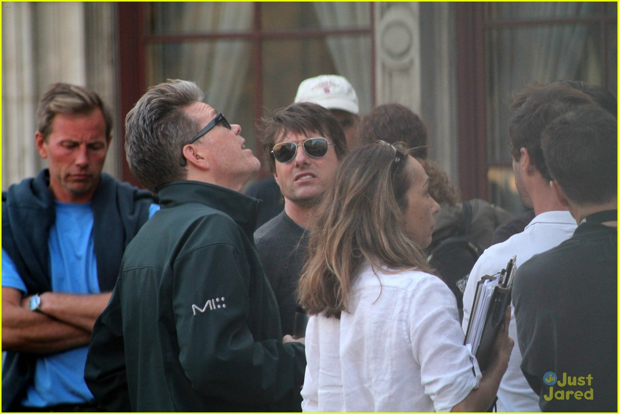 tom cruise filming stunts mission impossible 153180516
