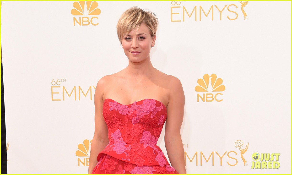 kaley cuoco ryan sweeting emmys 2014 red carpet 023183370