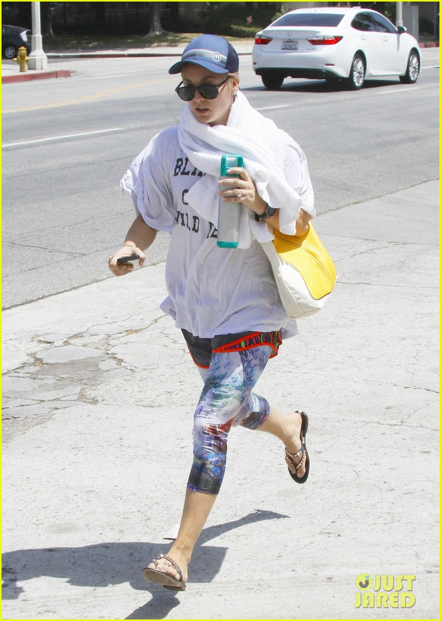 kaley cuoco runs out of yoga with a towel around her neck 133179609