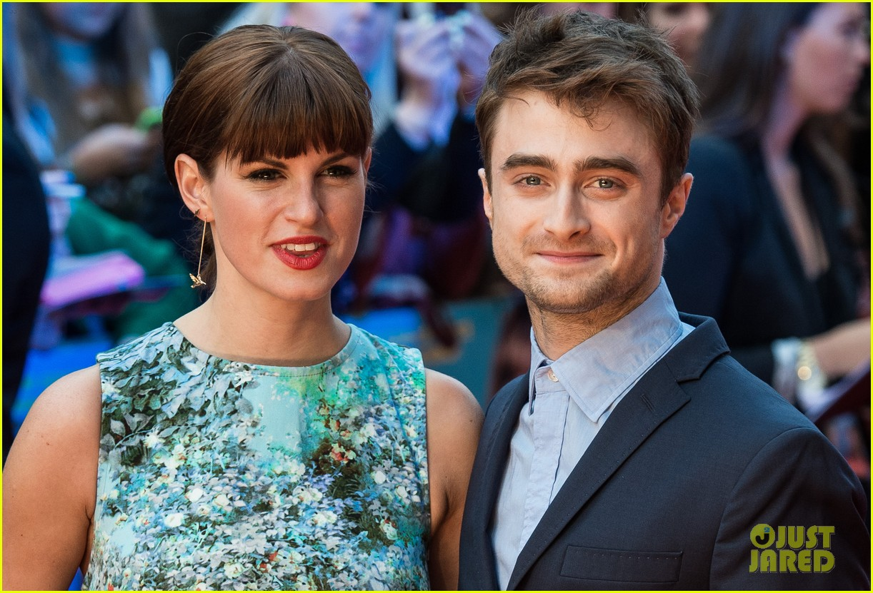daniel radcliffe selfies what if uk premiere 063175256