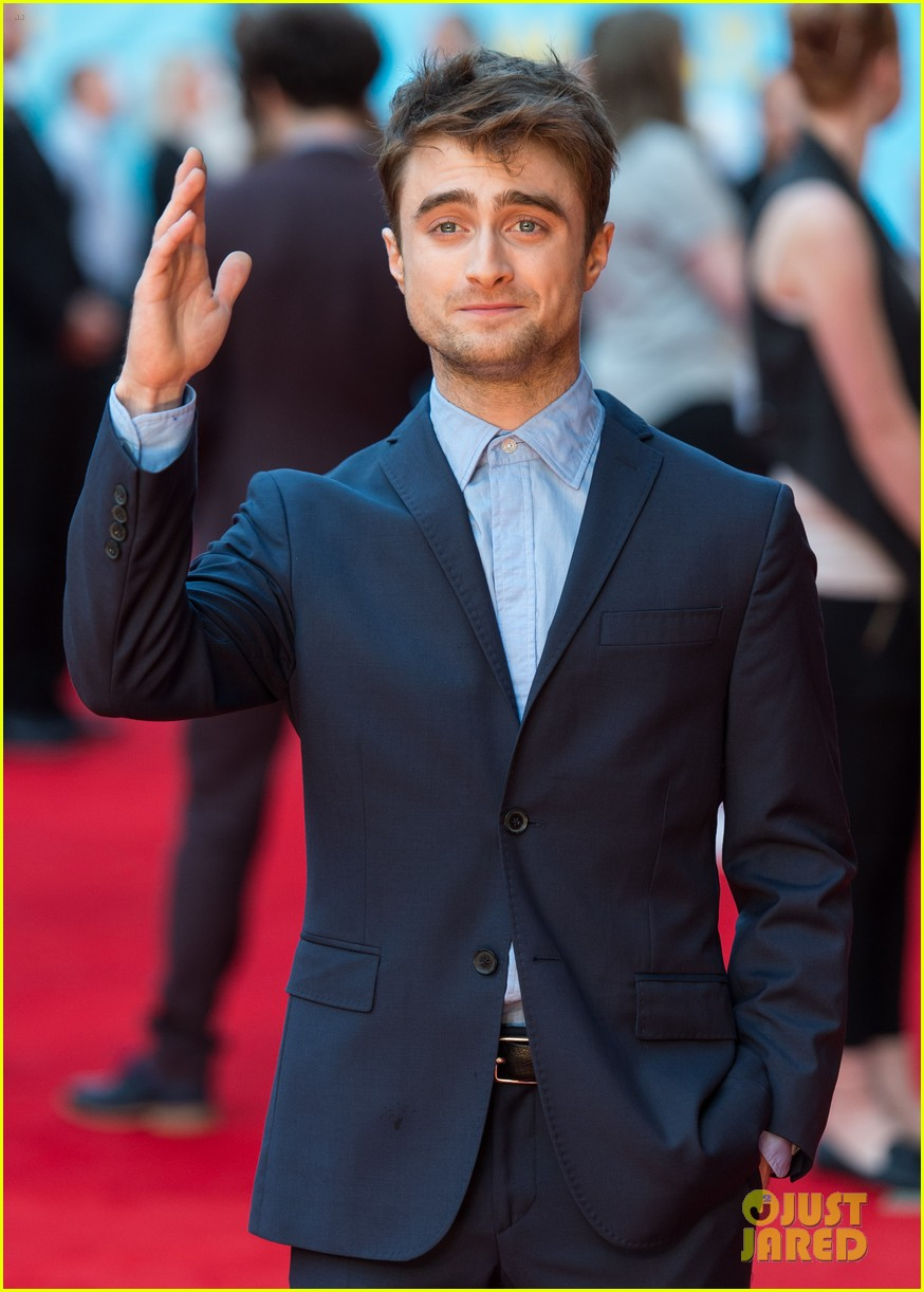 daniel radcliffe selfies what if uk premiere 073175257