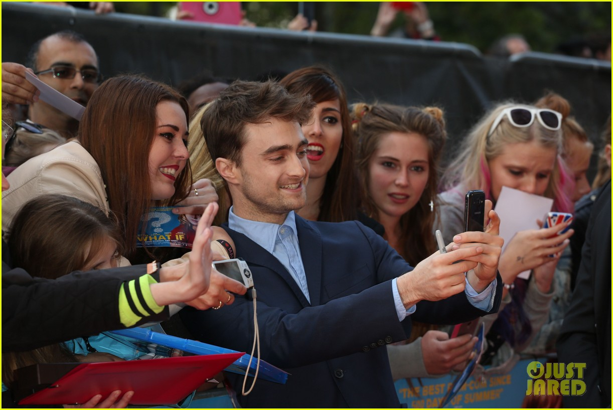 daniel radcliffe selfies what if uk premiere 143175264