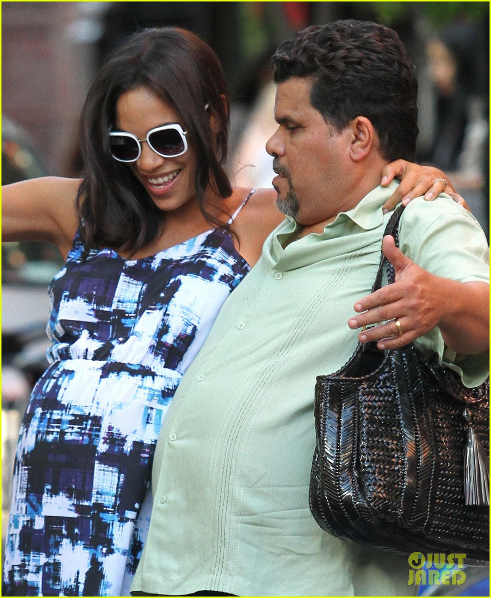rosario dawson luis guzman compare their big bellies 043178633
