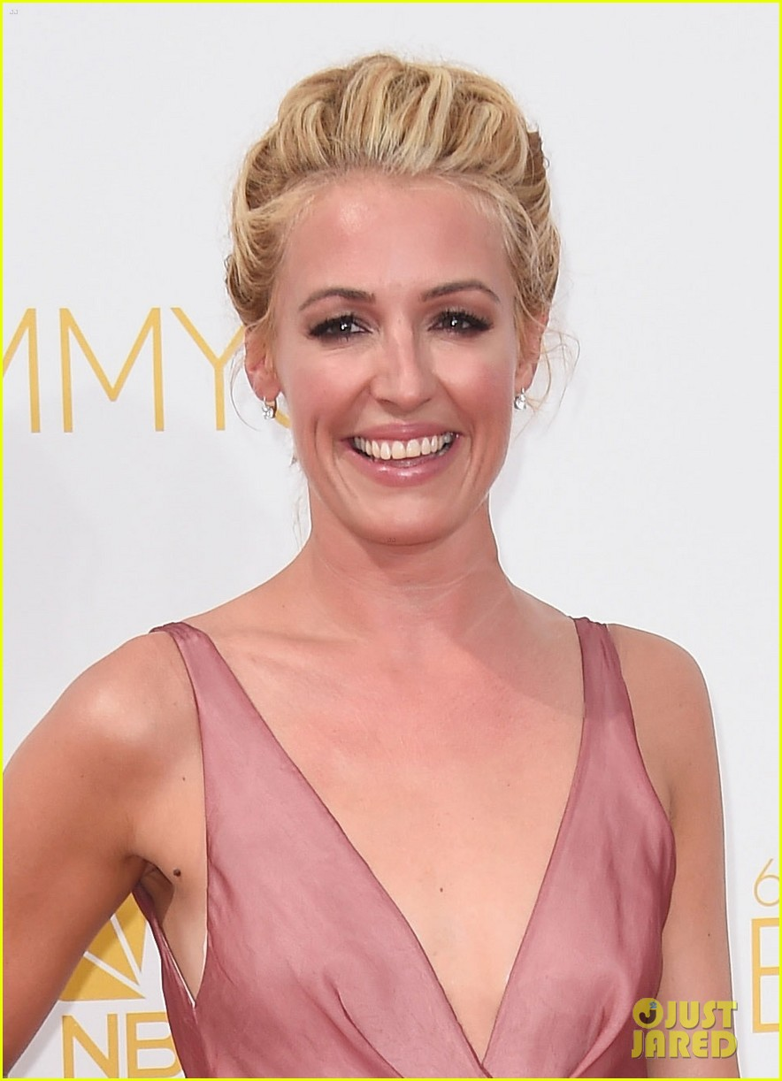 cat deeley padma emmy red carpet 023183533