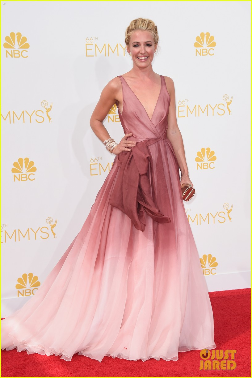 cat deeley padma emmy red carpet 043183535