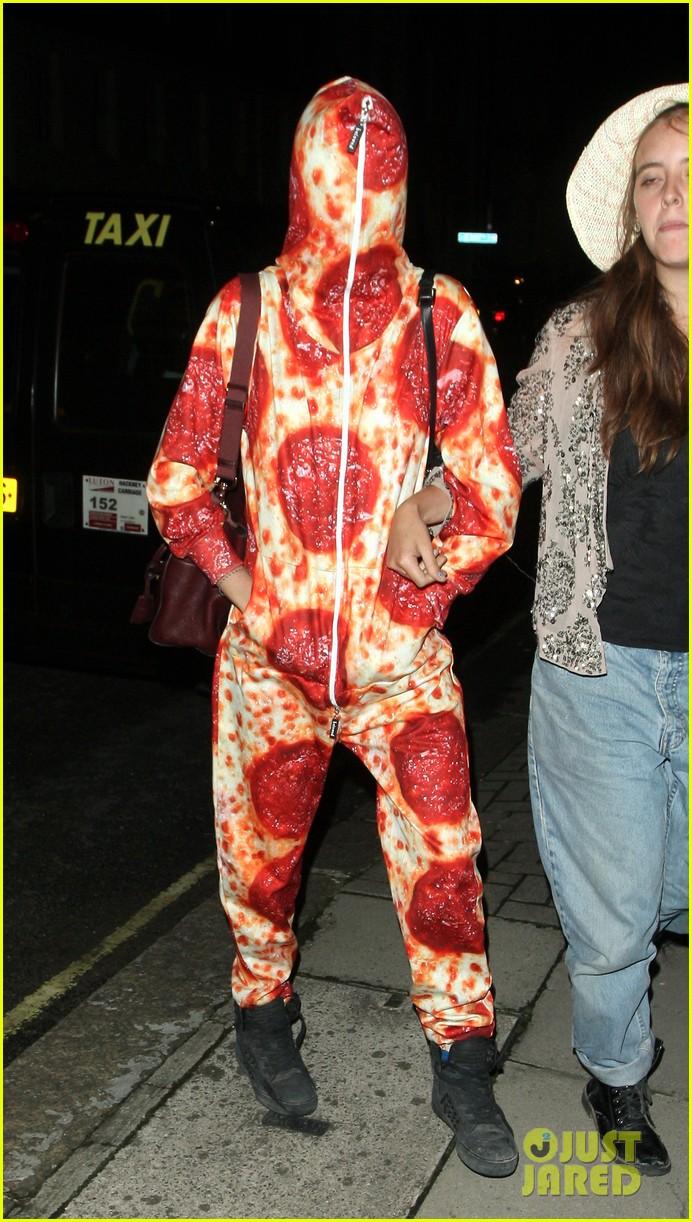cara delevingne suki waterhouse bikini pepperoni pizza suit 023177455