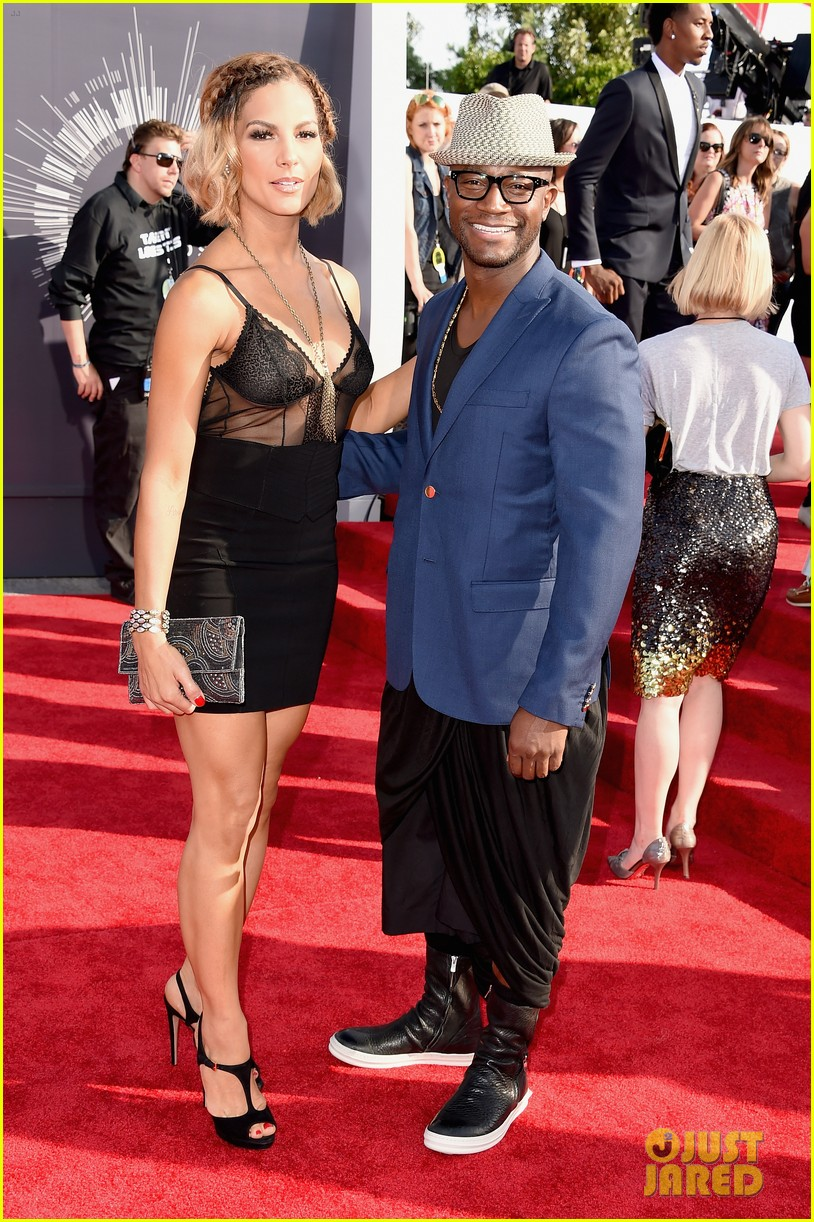 taye diggs attends vmas with girlfriend amanza smith brown 013182736