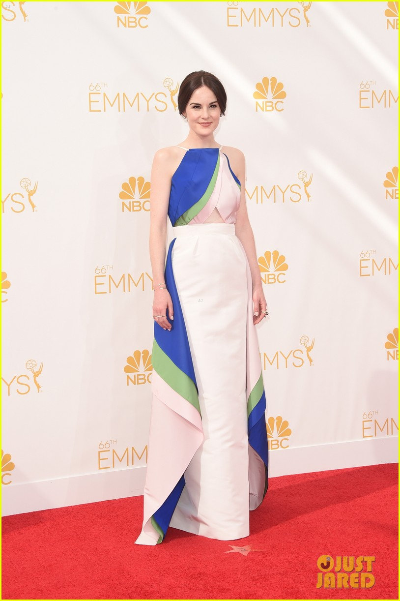 michelle dockery emmys 2014 red carpet 043183433
