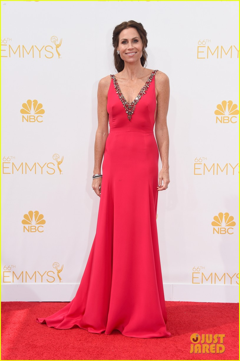 minnie driver debra messing emmys 2014 08