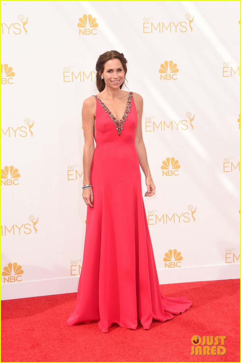 minnie driver debra messing emmys 2014 093183318