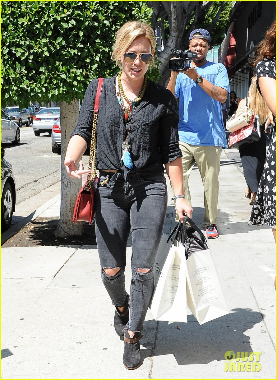 hilary duff album pushed back few months 29