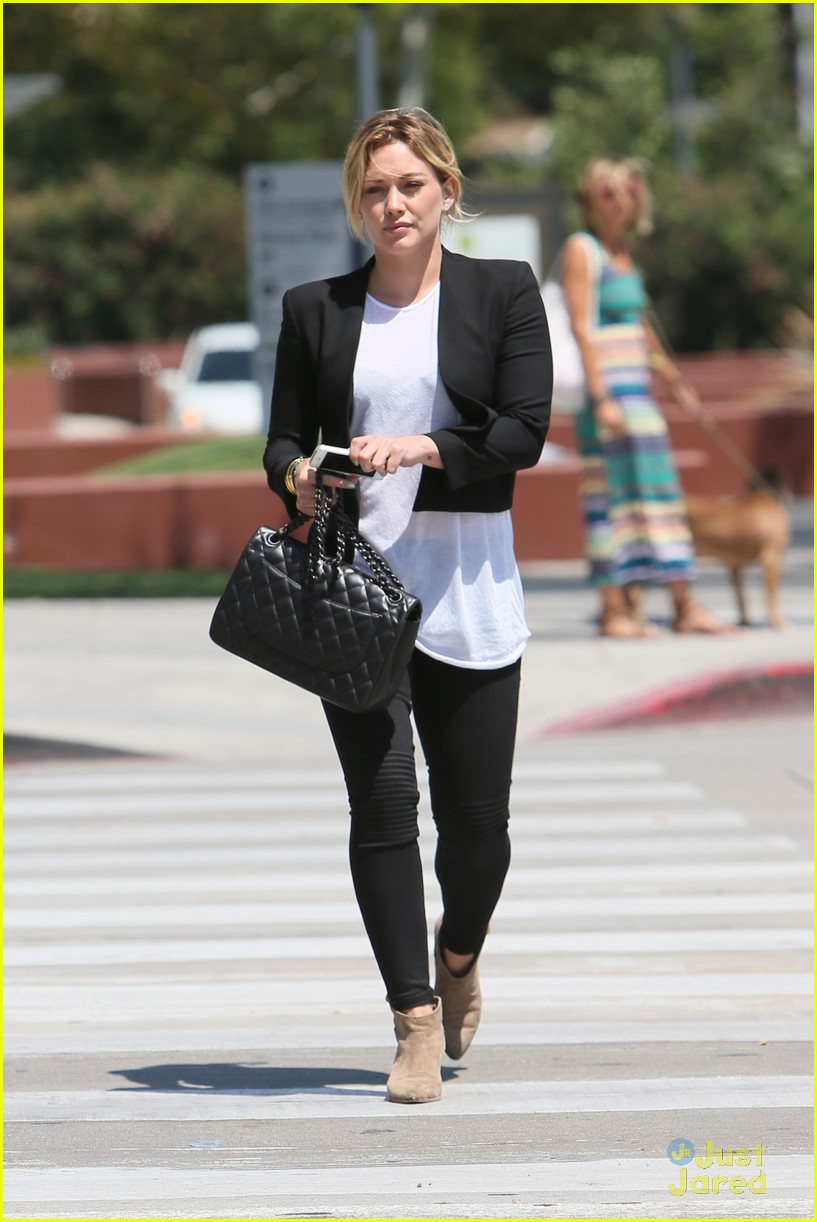 hilary duff steps out after new song 053179897