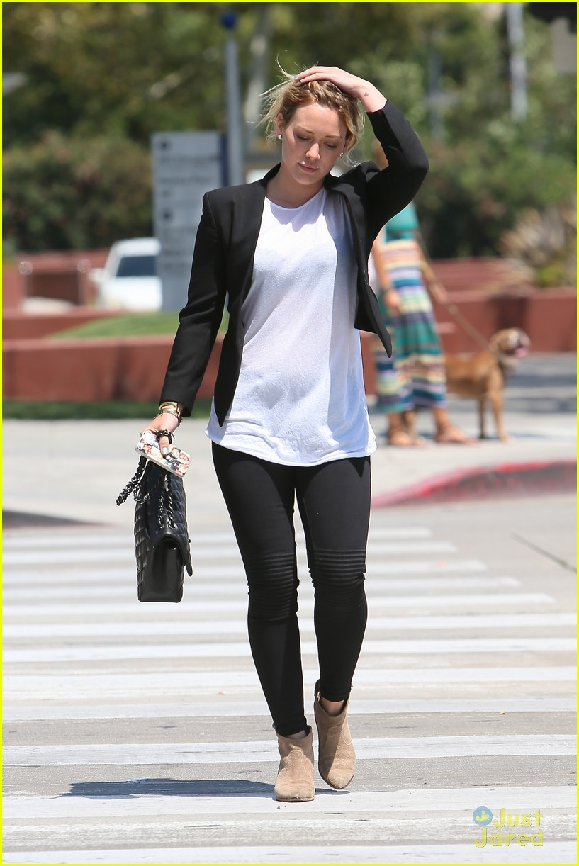 hilary duff steps out after new song 063179898