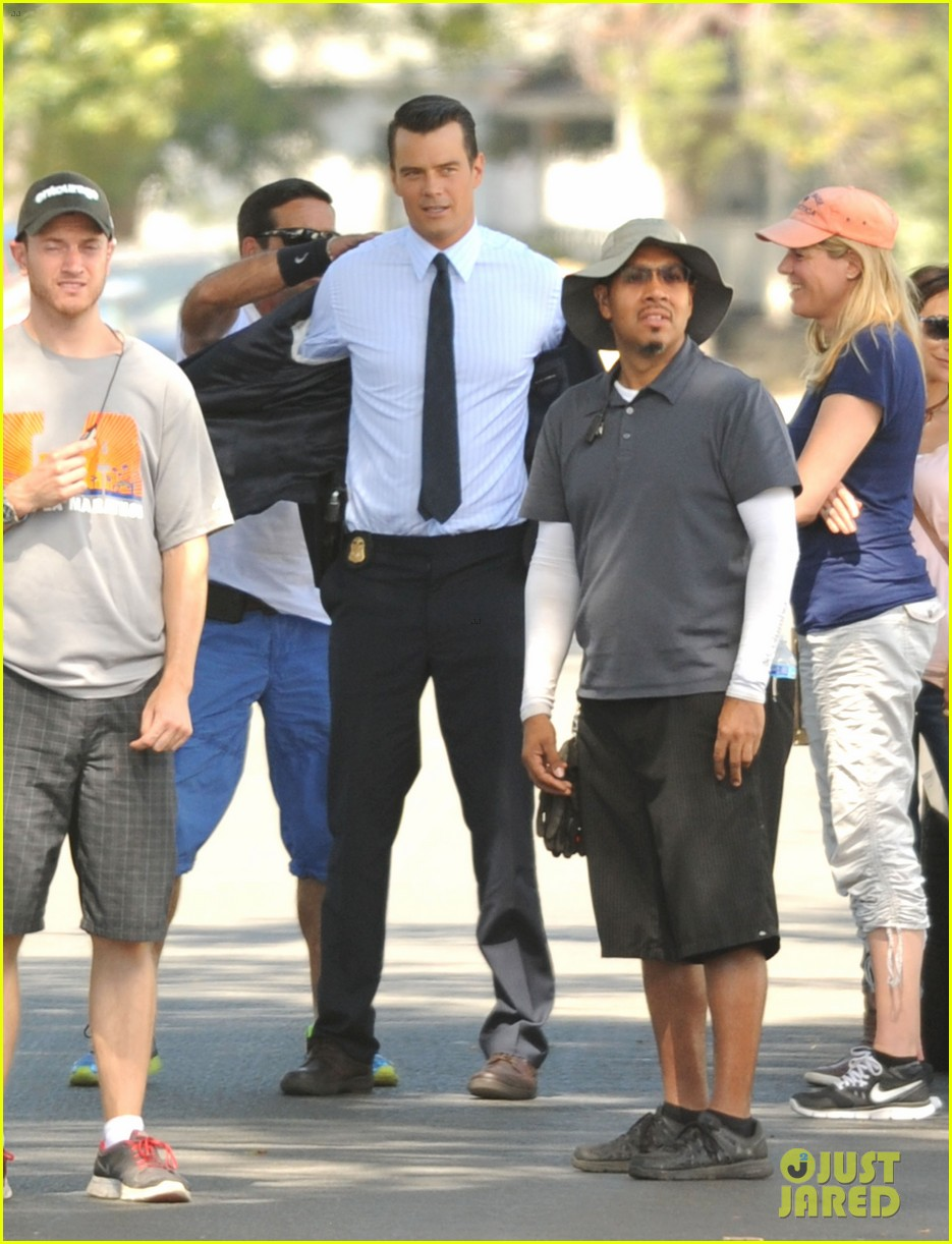 josh duhamel gets soaked for the als ice bucket challenge on battle creek set 03