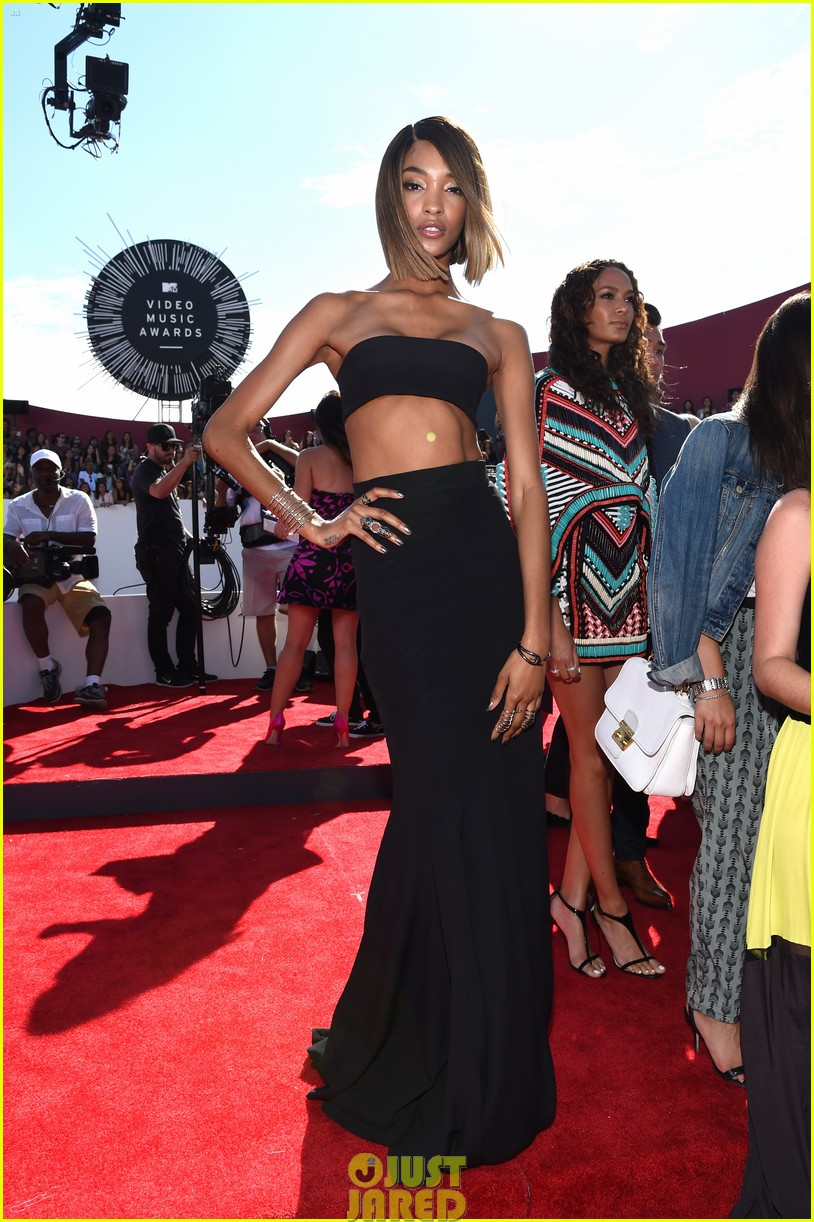 chanel iman jourdan dunn vmas mtv red carpet 023182521