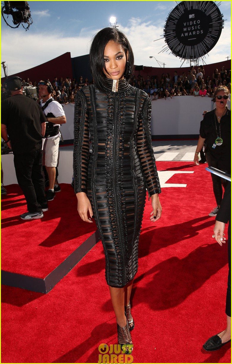chanel iman jourdan dunn vmas mtv red carpet 043182523