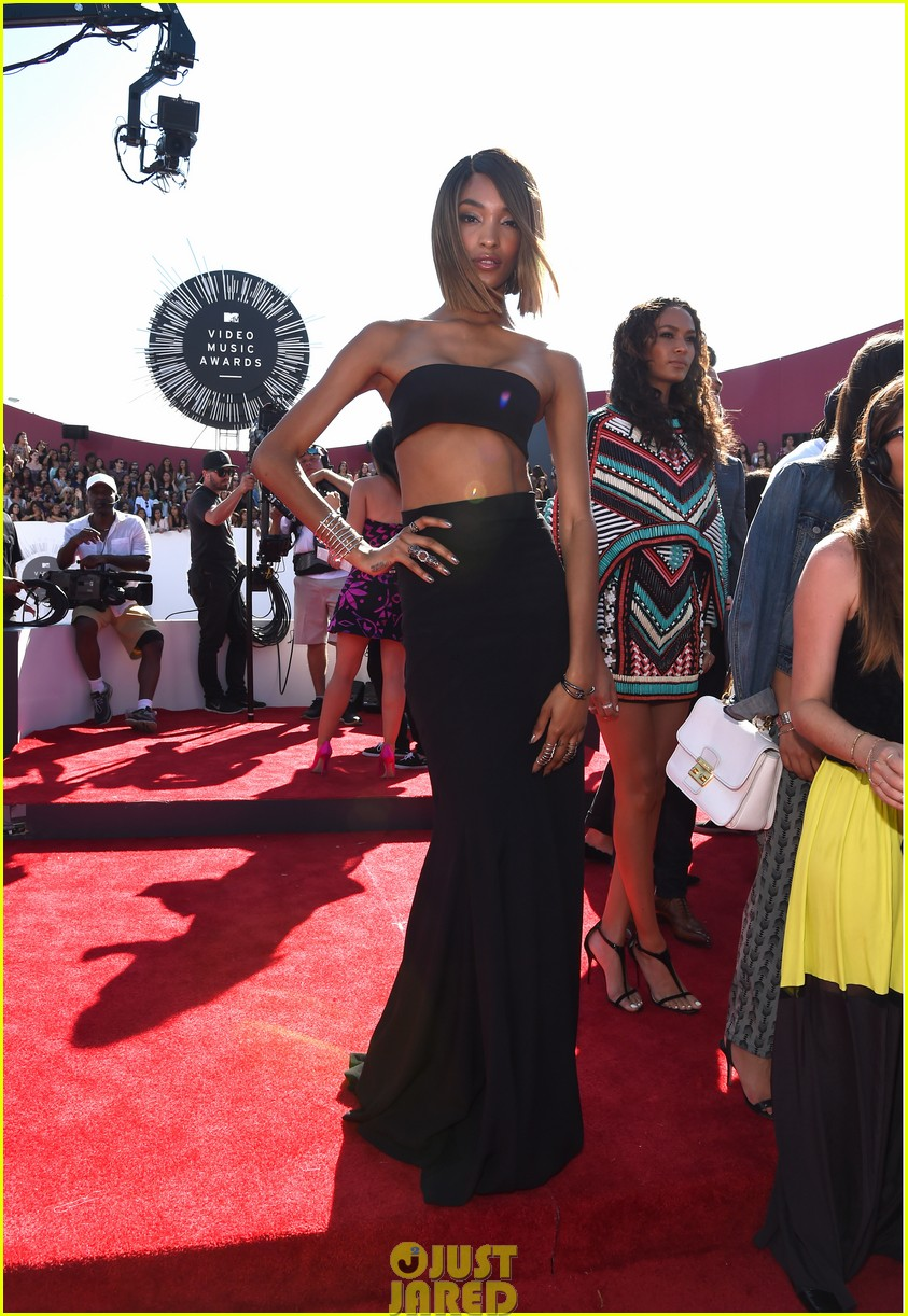 chanel iman jourdan dunn vmas mtv red carpet 083182527
