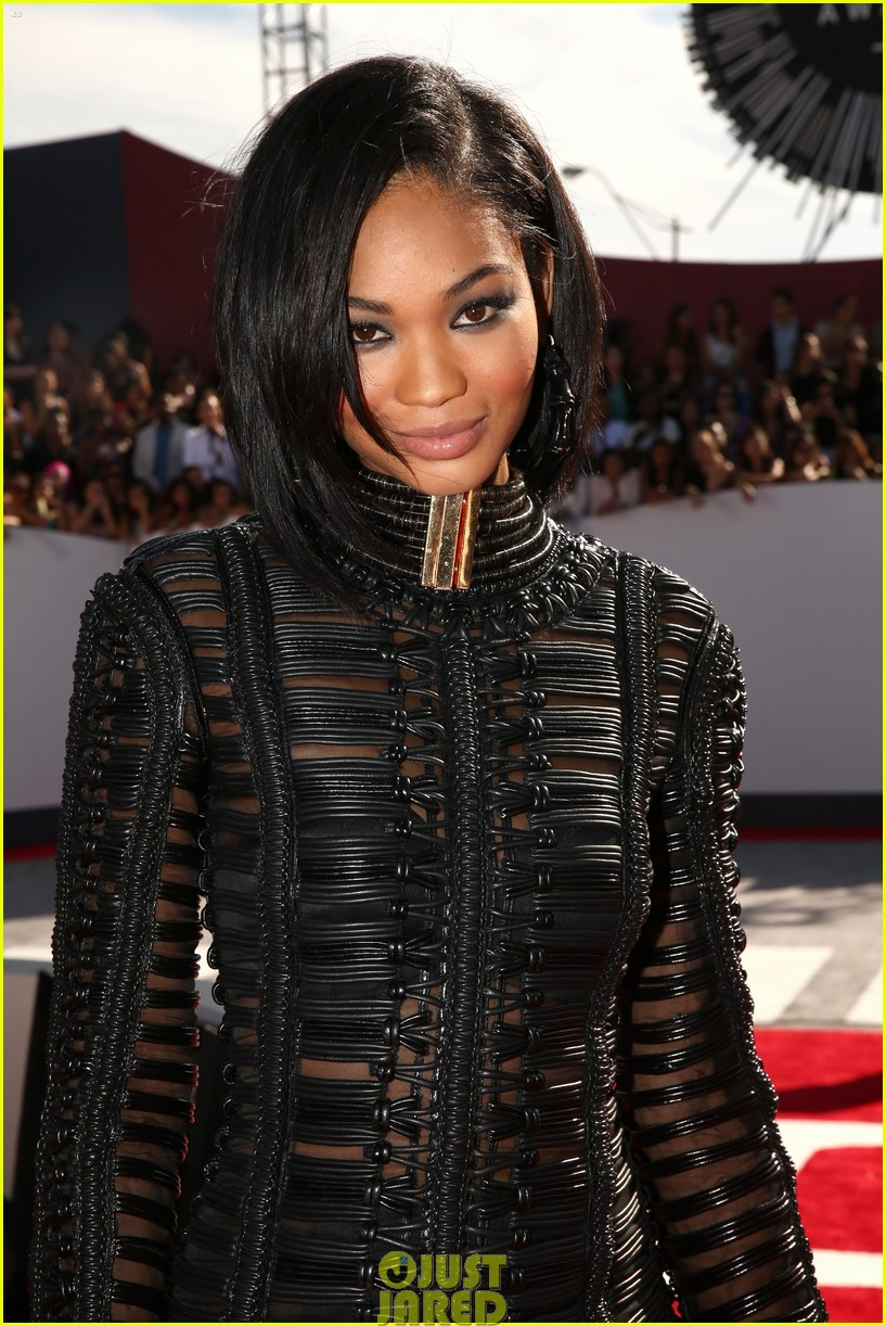 chanel iman jourdan dunn vmas mtv red carpet 103182529