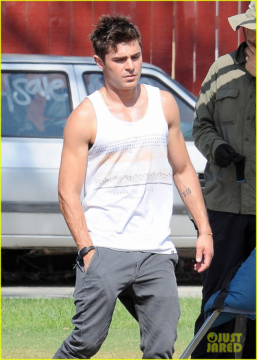 zac efron steps out after split from michelle rodriguez 023179753