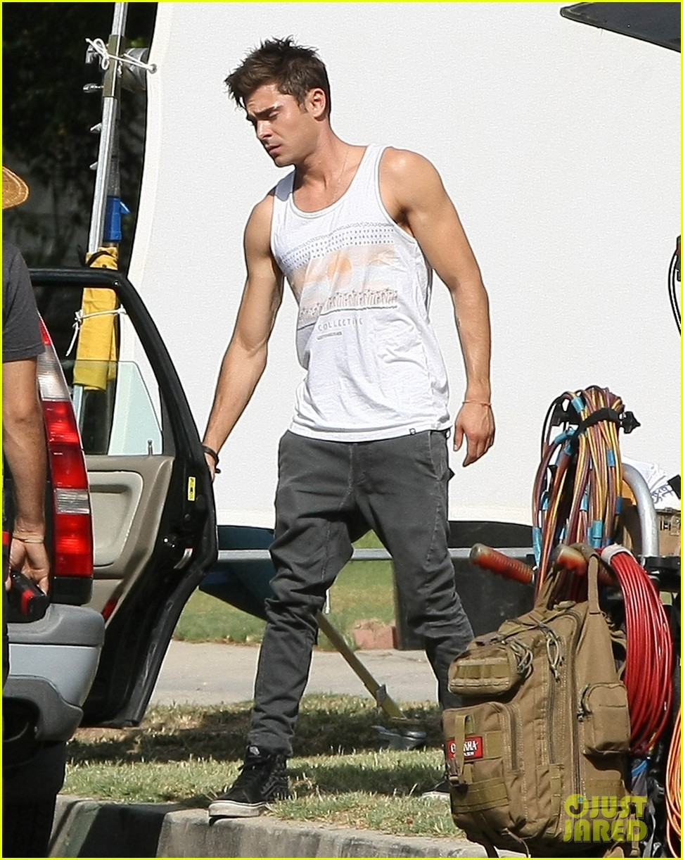 zac efron steps out after split from michelle rodriguez 163179767