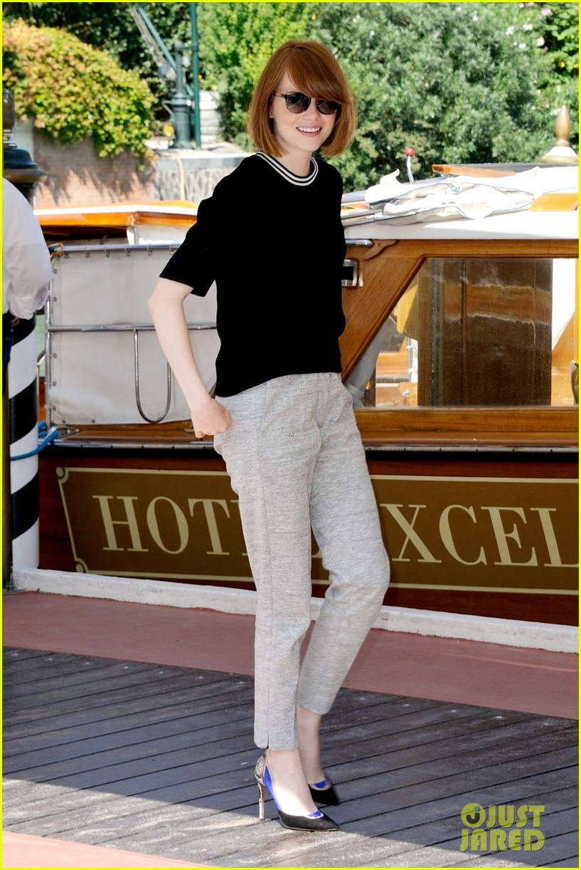 emma stone andrew garfield arm in arm lunch venice 023185534