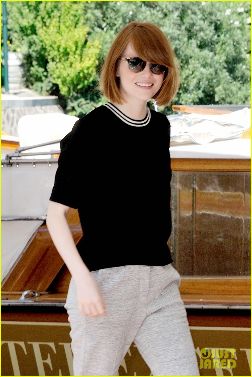 emma stone andrew garfield arm in arm lunch venice 053185537