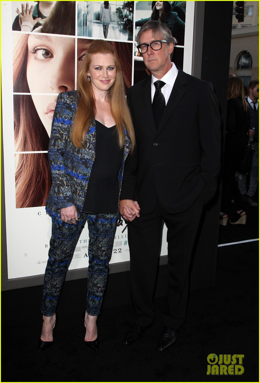 mireille enos debuts post baby body at if i stay premiere 053179938