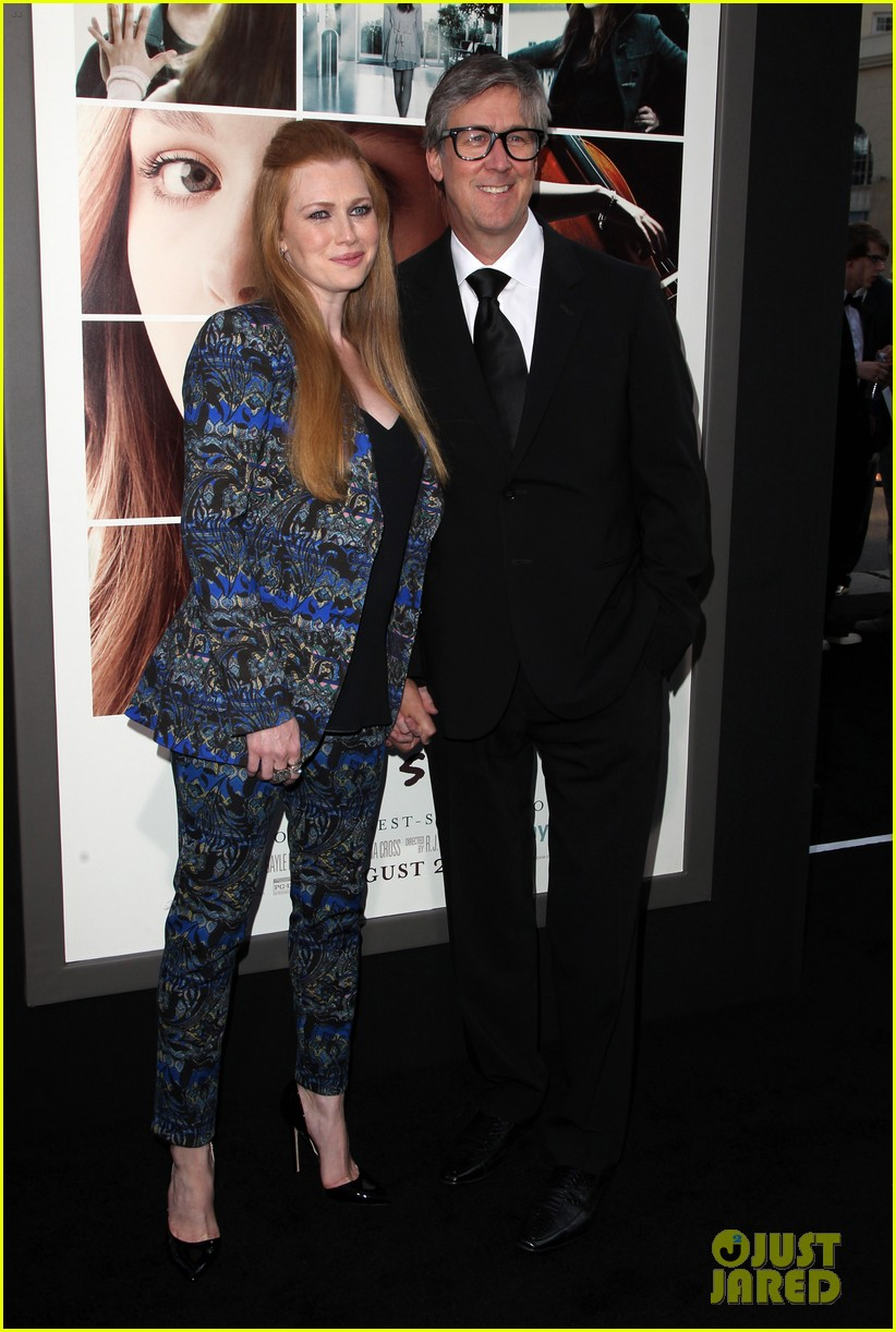 mireille enos debuts post baby body at if i stay premiere 083179941