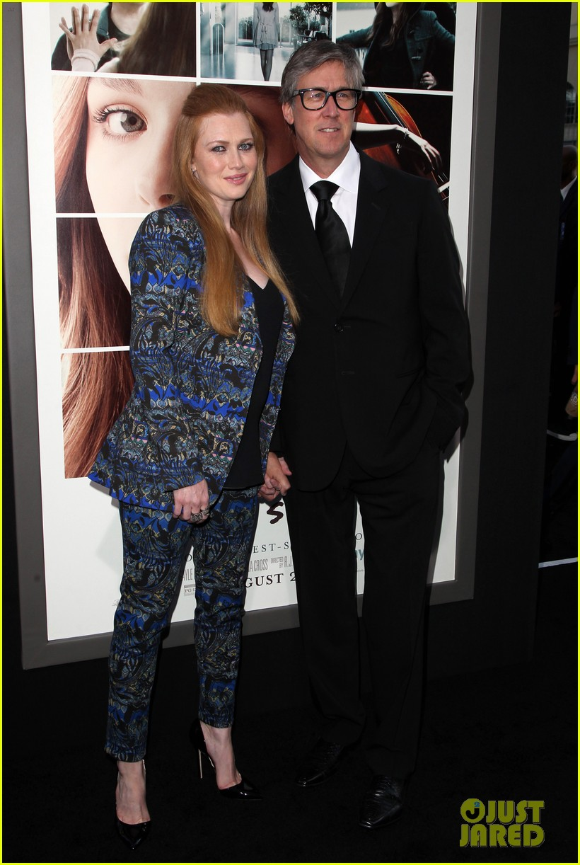 mireille enos debuts post baby body at if i stay premiere 093179942