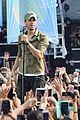 enrique iglesias brings down the house at gma 04