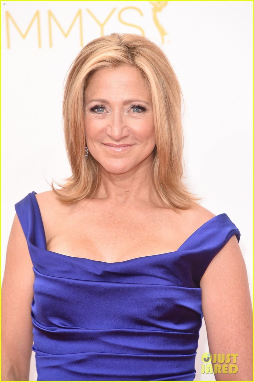 edie falco allison janney brighten up the emmys 2014 red carpet 02