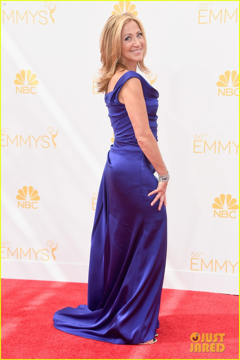 edie falco allison janney brighten up the emmys 2014 red carpet 043183419