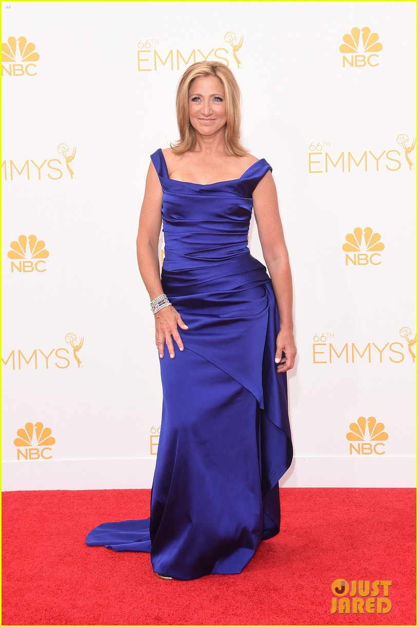 edie falco allison janney brighten up the emmys 2014 red carpet 063183421