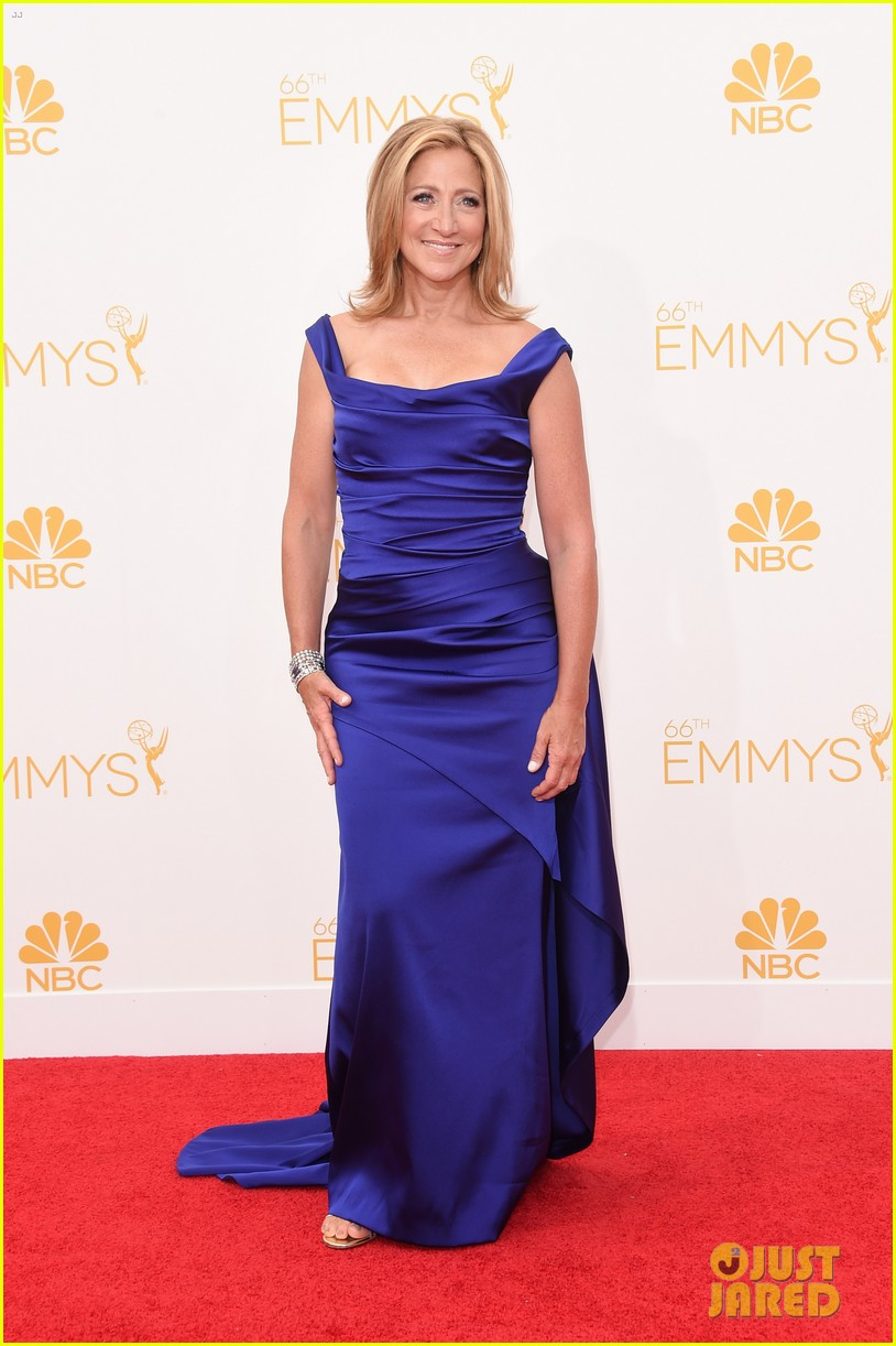 edie falco allison janney brighten up the emmys 2014 red carpet 073183422