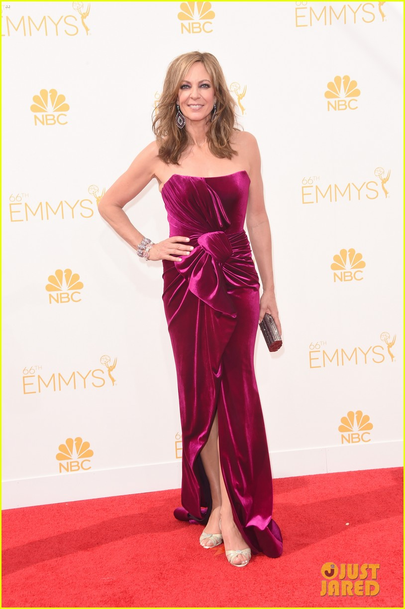 edie falco allison janney brighten up the emmys 2014 red carpet 083183423