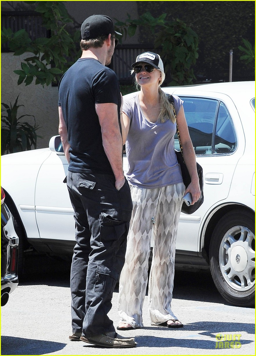 anna faris chris pratt satisfy lunch cravings at jinkys 01