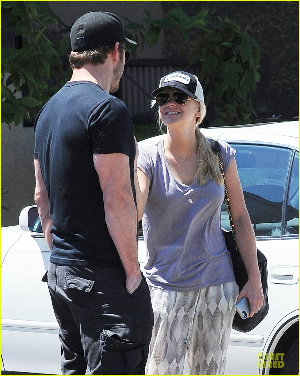 anna faris chris pratt satisfy lunch cravings at jinkys 043181279
