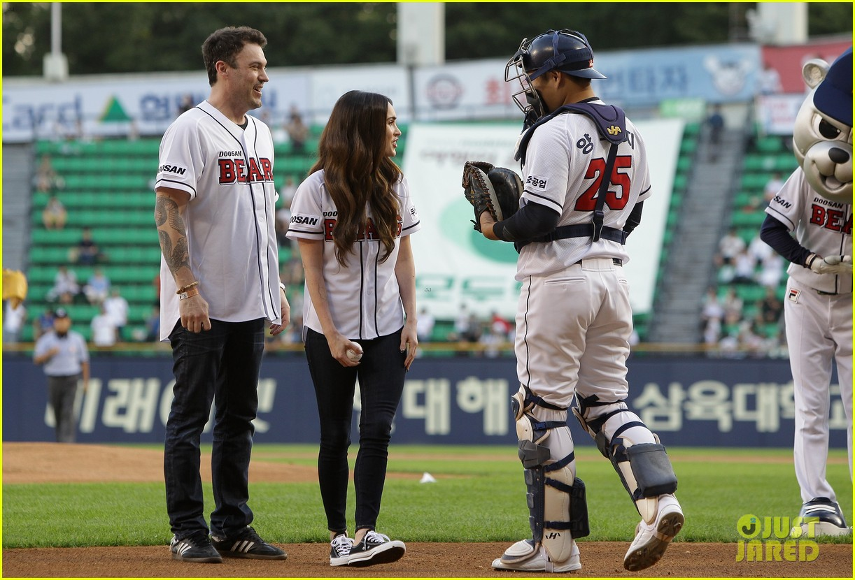 megan fox throws the first pitch attends teenage mutant ninja turtles 02