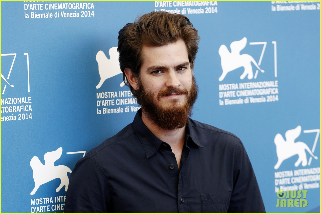 andrew garfield does press with his big bushy beard 063186058