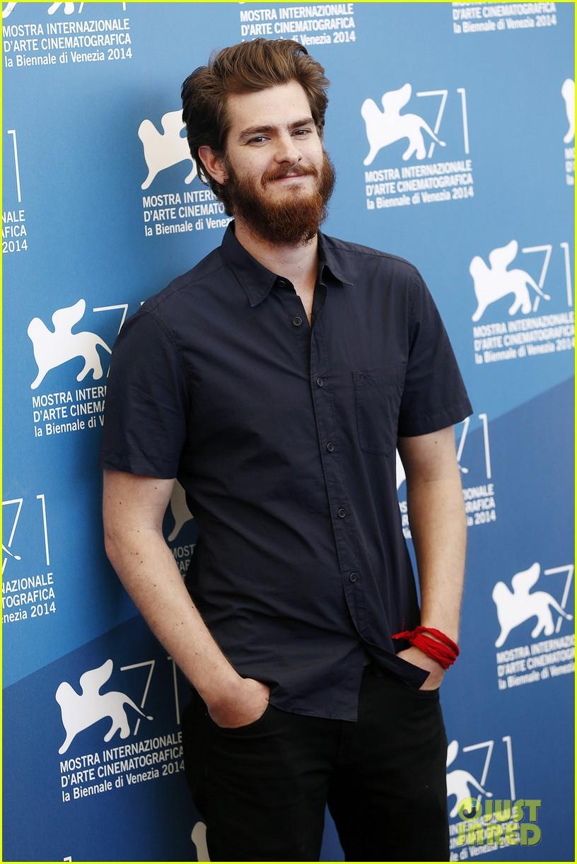 andrew garfield does press with his big bushy beard 113186063