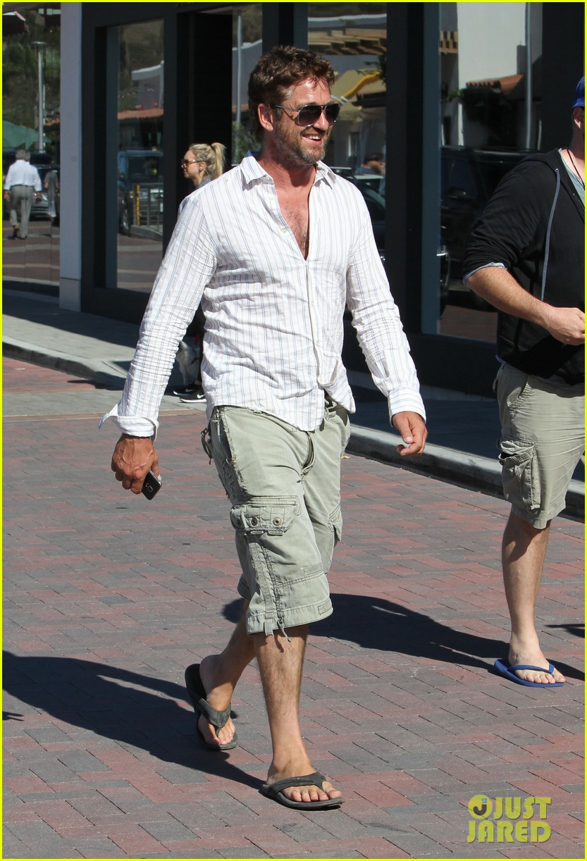 gerard butler chest hair shopping malibu 033177921