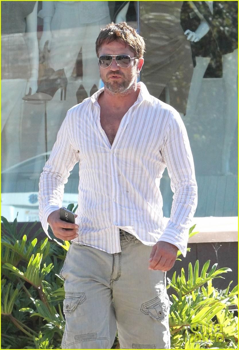 gerard butler chest hair shopping malibu 073177925