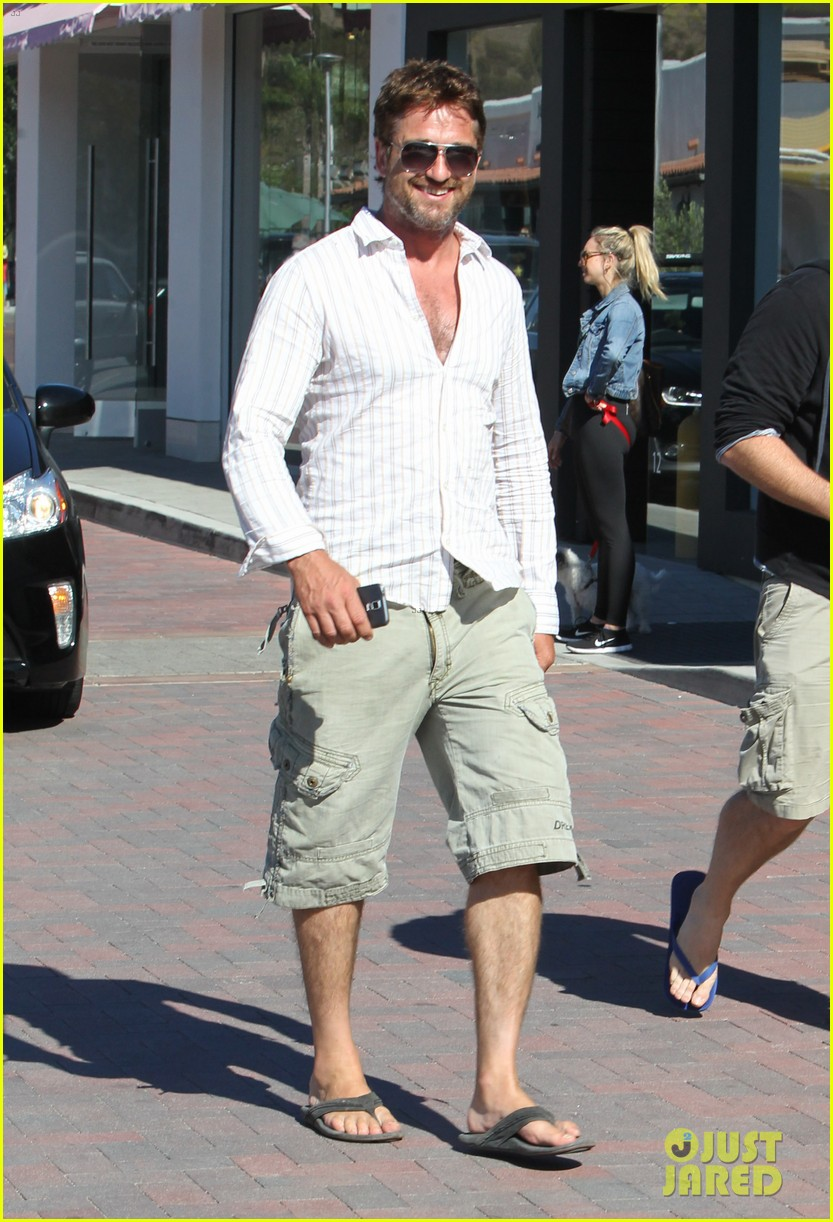 gerard butler chest hair shopping malibu 083177926