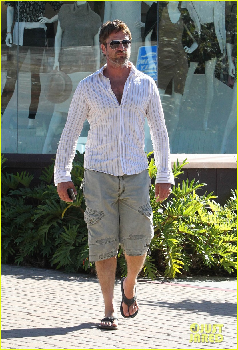 gerard butler chest hair shopping malibu 103177928