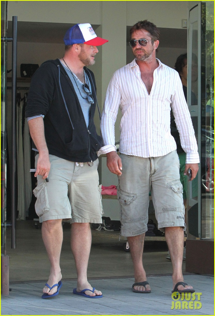 gerard butler chest hair shopping malibu 243177942
