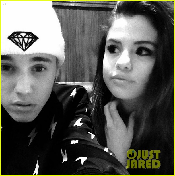 selena gomez joins justin bieber on trip to canada 02