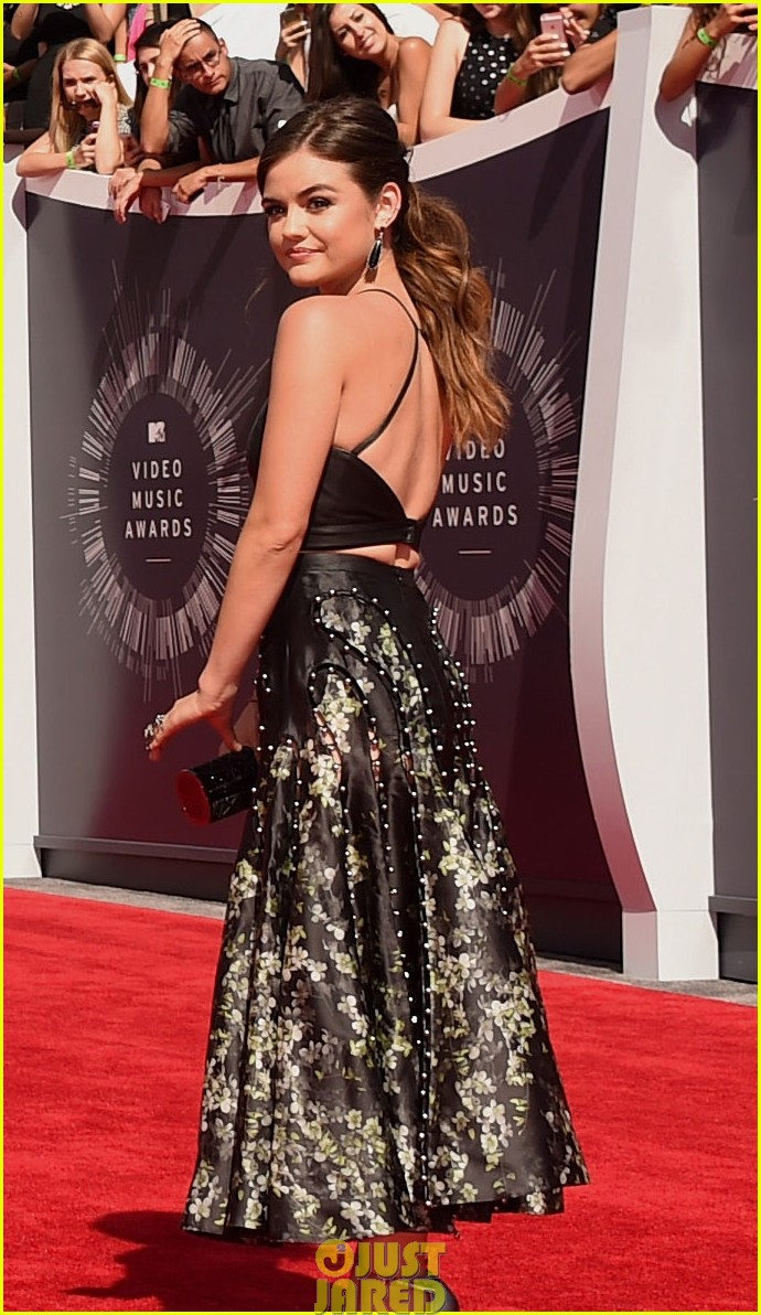 lucy hale hosting vma preshow red carpet 103182270