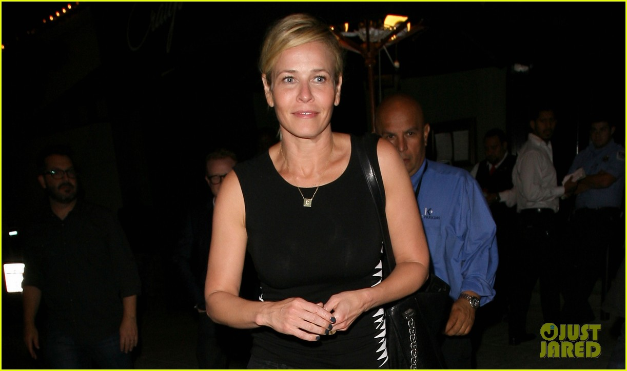 chelsea handler dines with sandra bullock others after goodbye chelsea lately 023184576